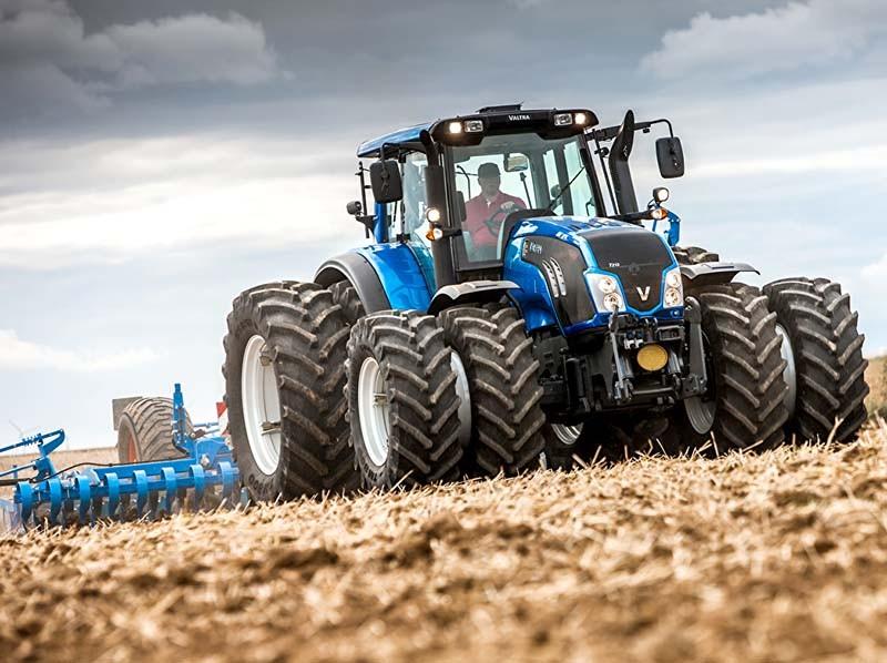 заправка дизельным топливом тракторов
